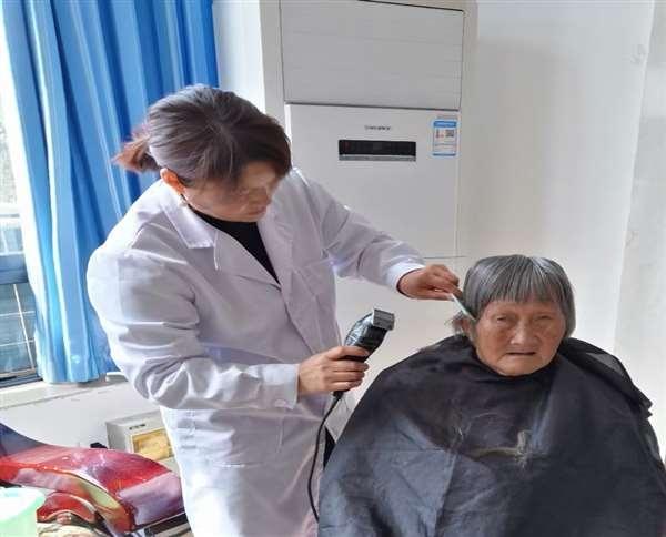 蓬安剪头发